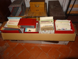 Importante Archive (env. 5000 Cartes) Classées (en Partie) Par Thèmes Et Pays + Collection/correspondance Illustrateurs - 500 Postcards Min.