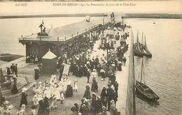 PORT EN BESSIN  La Procession Le Jour De La Fete Dieu - Port-en-Bessin-Huppain