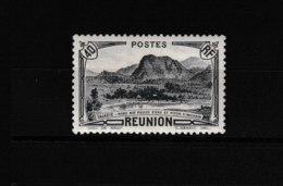 134   **  Y & T   Salazie Mare Aux Poules D'eau Et Piton D'Anchain  *RÉUNION*  58/45 - La Isla De La Reunion (1852-1975)