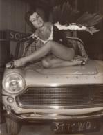 SIMCA ARONDE PLEIN CIEL - Présentation SEXY Au Salon De L'AUTO 1958 - Paris * - Publicités