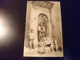 À La Porte De La Maison - Algérie