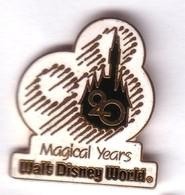 BD74 Pin's Signé Disney Magical Years Walt Disney World Version EGF BLANC Achat Immédiat - Disney