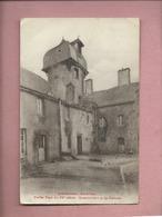 CPA -  Questembert -( Morbihan ) - Vieille Tour Du XVe Siècle - Questembert Et Sa Femme - Questembert