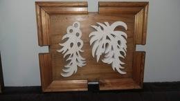Oeuvre Originale, Pierre Sculptée Sur Tableau Bois - Sculpturen