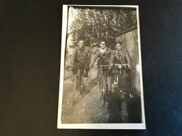 CARTE PHOTO Cyclistes LYON - SAULT BRENAZ - 1933 - Ciclismo