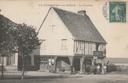 CARTE POSTALE   LA FERRIERE SUR RISLE 27   Le Porche - Autres Communes