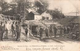 61 La Ferriere Aux Etangs La Fieffe Sortie Des Mineurs Mine De Fer Mineur Cpa Carte Animée Cachet 1904 - Frankreich