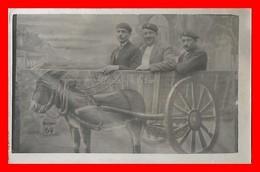 2 CPA Cartes Photos (même Personnages) à Identifier. Allons Y à La Foire, Mezidon 69 Km ...K690 - Cartoline