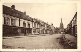 Cp Senonches Eure Et Loir, La Place De L'Hôtel De Vile - France