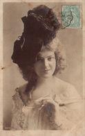 Femme Coiffée D'un Beau Chapeau - Carte N° 4147 Dos Simple - Frauen