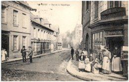 76 YVETOT - Rue De La République - Yvetot
