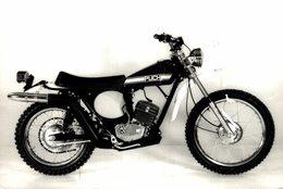 Puch 1974 +-18cm X 12cm  Moto MOTOCROSS MOTORCYCLE Douglas J Jackson Archive Of Motorcycles - Sonstige