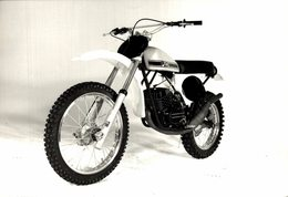 Puch 1976 125/175cc  +-18cm X 12cm  Moto MOTOCROSS MOTORCYCLE Douglas J Jackson Archive Of Motorcycles - Sonstige