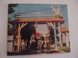 CPA Militaria 1er Régiment De Chasseurs Parachutistes Garde Au Drapeau 1967 - Regimente