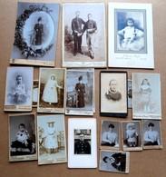 Lot De 18 Photographies Anciennes - Anonymous Persons