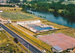 CONFOLENS - Vue Générale Aérienne - La Vienne, Piscine En Plein Air, Courts De Tennis (détails) - Confolens