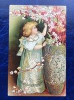 """Cpa --""""Fille Rangeant Les Fleurs Dans Un Vase Géant""""--(819) - Szenen & Landschaften"""