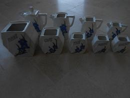 Série De Neuf  Pots - Faience M Z Czechoslovakia - - Porselein & Ceramiek