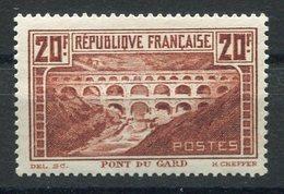 RC 15383 FRANCE N° 262A PONT DU GARD COTE 350€ NEUF * MH TB - France