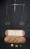 Balance - Trebuchet 18 ème Avec Son étui En Bois - Avec Avec 3 Poids !!! Réf, A7 - Joyas & Relojería