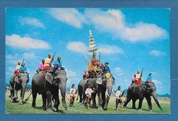 THAILAND THE ANCIENT BATTLE ELEPHANTS SHOWING AT SURIN 1976 - Thaïlande