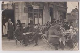 CARTE PHOTO : CAFE JULES FERRY - MAISON AZED - CHANGEMENT DE PROPRIETAIRE - CLIENTS TERRASSE - CARTE EN L'ETAT -z R/V Z- - Cartes Postales