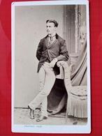 CDV Second Empire - Beau Jeune Élégant Accoudé - Circa 1870 - Photo Provost, Toulouse - TBE - Photos
