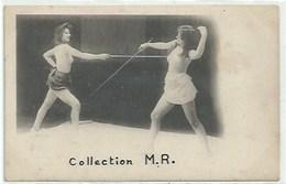 Nu - Belles Femmes Seins Nus - Sport Escrime - Carte De 1900 - Beauté Féminine D'autrefois < 1920