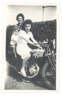 Photo Femmes Sur Moto à Identifier - Cars