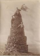 Photo Vers 1900 MONTAIGU - Un Monument En Pierre, Cairn (A219, Ww1, Wk 1) - Autres Communes