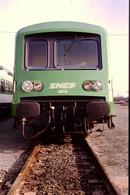 Photo Diapo Diapositive Slide Train Wagon Locomotive TER SNCF X 4615 De Face à Metz Le 23/01/1992 VOIR ZOOM - Dias