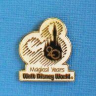 1 PIN'S //  ** WALT-DISNEY WORLD® / 20 MAGICAL YEARS ** . (©Disney) - Disney