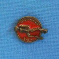 1 PIN'S //  ** SAPEURS POMPIERS S.A.L. / SCAPHANDRIERS AUTONOMES LÉGERS ** - Pompieri
