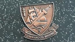 PIN S  MILITAIRE -  COMMANDOS MARINE - Armee