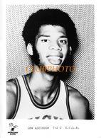 GRANDE PHOTO :  BASKET BALL - LEW ALCINDOR Kareem Abdul-Jabbar U.C.L.A. BRUINS AMERICA - BASKETBALL - NBA - - Sports