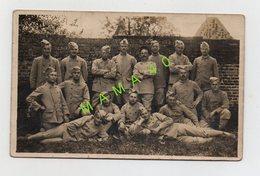 CARTE PHOTO - MILITARIA - GROUPE DE POILUS DU 4ème REGIMENT D'INFANTERIE COLONIALE - EN 1916 DANS LE SECTEUR 187 - Guerre 1914-18