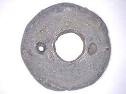 RARE BOUTON ANCIEN EN PLOMB Pour Lester Vêtement MILITAIRE Diamètre 24 Mm - Boutons