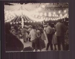 Photo ( 12 X 9 Cm )Couple Lors D'un Bal Hussein-Dey Alger  1960 - Personnes Anonymes