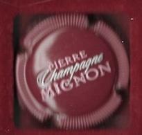 Boisson, Capsule De Champagne  Bordeaux  Foncé ?  PIERRE  MIGNON - Marne Et Champagne