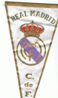 Fanion En Tissu Satiné REAL MADRID - Football, Espagne (fr83 - Football
