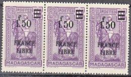 Madagascar   BANDE De 3   FRANCE LIBRE  1f50 Sur 1f60 Violet    Y.et.T. Num 261   Neuf      Scan   Recto Verso - Madagascar (1889-1960)