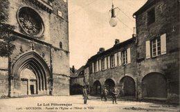 12148        GOURDON   PORTAIL DE L EGLISE ET L HOTEL DE VILLE - Gourdon