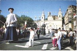 ES BILBAO - Los Gigantes - Géant - Animée - Belle - Carnaval