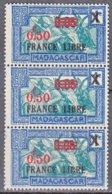 Madagascar BANDE De 3 FRANCE LIBRE 0.50f Sur 0.05f Sur 1c Bleu Et Vert-bleu  Y.et.T. Num 241 Neuf Scan   Recto Verso - Madagascar (1889-1960)