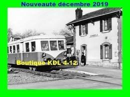 AL PR 08 - La Gérante Reçoit Un Autorail 150 CV En Gare - COMBREUX - Loiret - SNCF - Estaciones Con Trenes