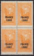 Madagascar   BLOC De 4   FRANCE LIBRE  1f40 Ocre    Y.et.T. Num 246      Neuf      Scan   Recto Verso - Madagascar (1889-1960)