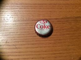 """Ancienne Capsule """"Coke N°34 -FRENCH GUIANA-FELIX EBOUE MONUMENT""""Etats-Unis (USA) Coca-Cola, Série Pays (Liège Enlevé) - Soda"""