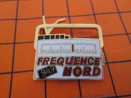 715c Pin's Pins / Belle Qualité Et Rare / THEME MEDIAS : RADIO POSTE FREQUENCE NORD 94.7 MHZ Pour Toi Gori ! - Golf