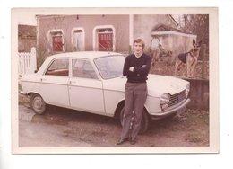 PHOTO . 204 PEUGEOT . 25/12/1969 - Réf. N°24344 - - Personnes Anonymes