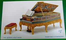 CPA TUCK OILETTE LA MAISON DE POUPEE DE LA REINE .   THE QUEEN'S DOLLS' HOUSE GRAND PIANO IN DRAWING ROOM - Jeux Et Jouets